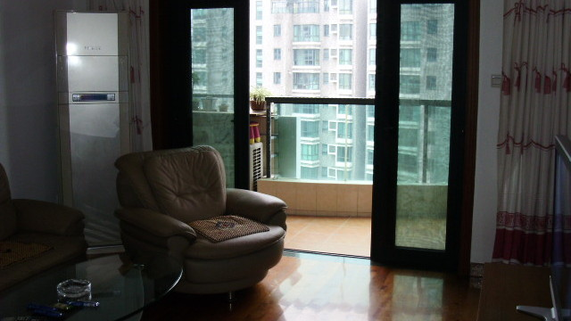 location au district de Putuo à 10000 RMb par mois